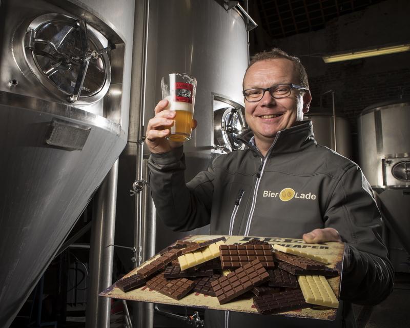 Werner-Callebaut-houdt-een-glas-Ambras-en-chocolade-vast Welkom bij Bierolade