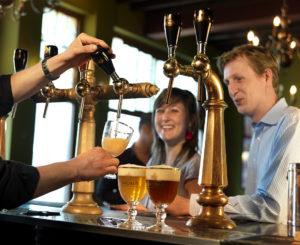 Business-bierdegustatie-2-gezellig-café-300x245 Beer tasting